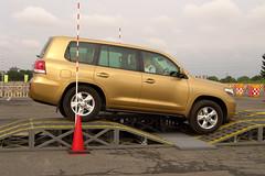 automobile, automotive exterior, sport utility vehicle, wheel, vehicle, compact sport utility vehicle, crossover suv, bumper, toyota land cruiser, land vehicle,