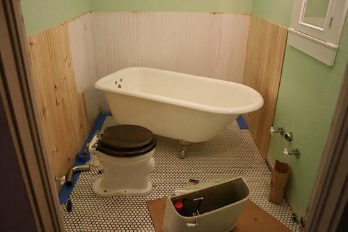 1915 craftsman bungalow bathroom for 1915 bathroom photos