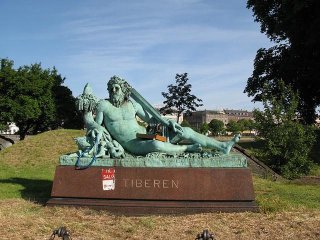 Tiberen bricoman flickr photo sharing for Bricoman ostia