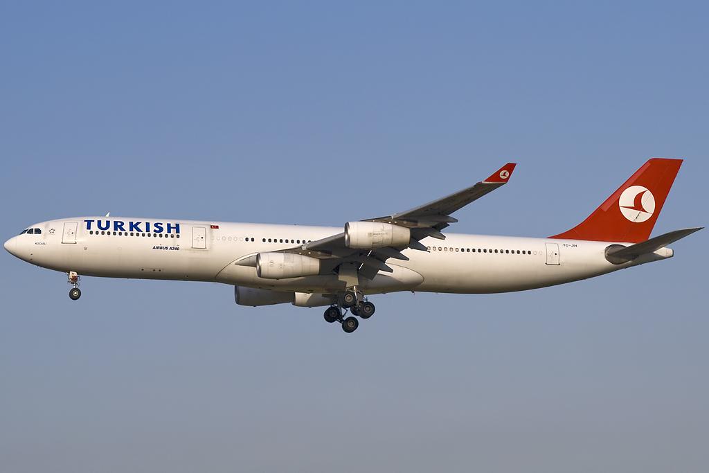 TURKISH AIRLINES A330 tc-jih