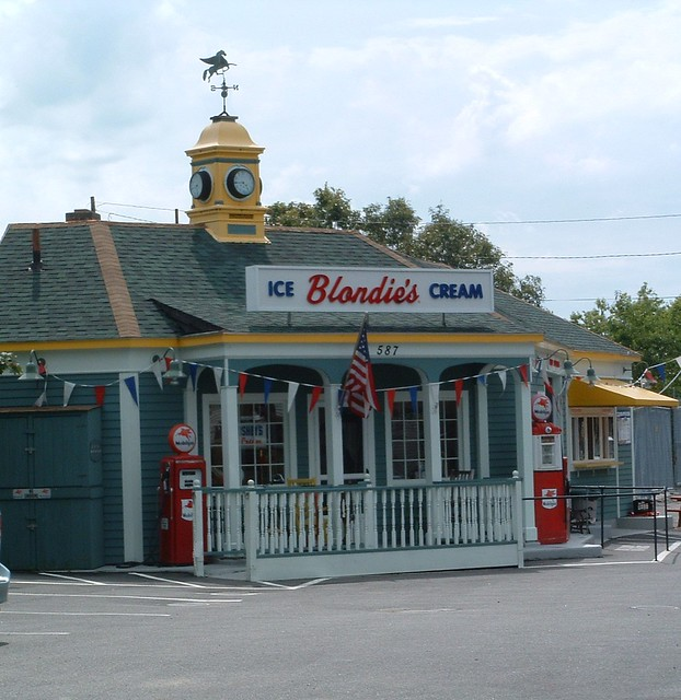 Cape Cod Ice Cream Shop