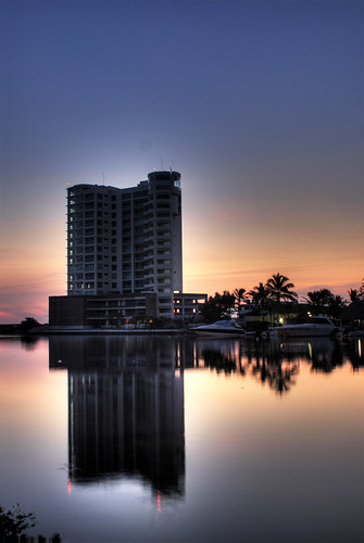 reflection building sunrise mexico apartment condo d200 veracruz 81points bocadelrio sergiolubezky marinatajin