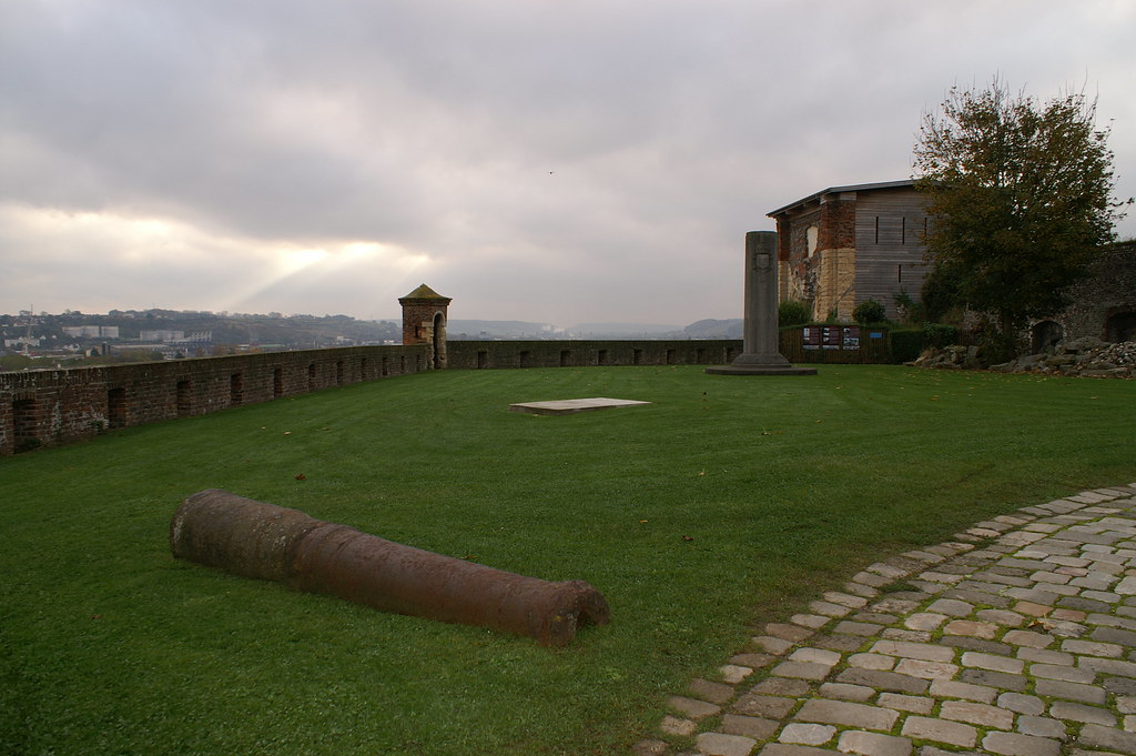 Castillo armamento