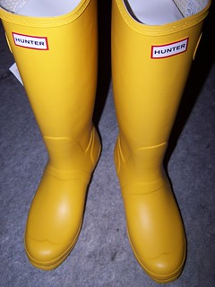 HUNTER tall yellow