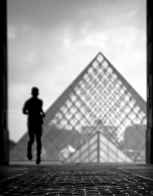 La Pyramide du Louvre por Gregory Bastien