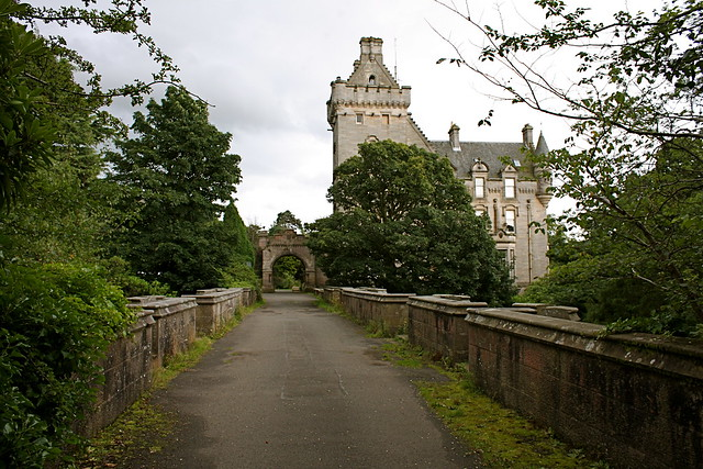 Overtoun House And Bridge