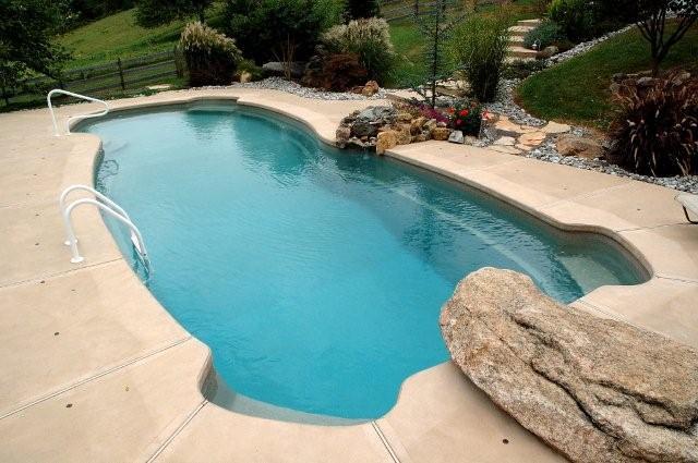 Pool designs yardville