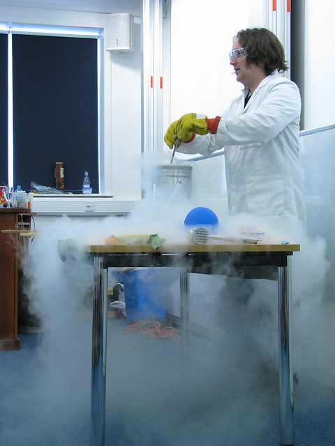 Evaporating Liquid Nitrogen