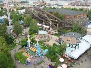 Bilde av Panoraama. suomi finland helsinki ride carousel amusementpark rollercoaster linnanmäki karuselli spaceshot dscv1 linnanmaki topspin kieputin vuoristorata borgbacken raketti