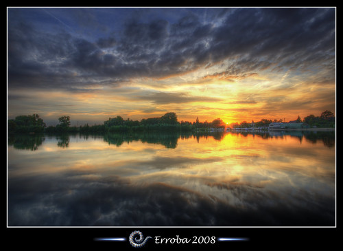 pink blue trees sunset red sky orange sun lake haven green water yellow clouds photoshop canon reflections boats rebel gold purple belgium tripod sigma tips remote 1020mm erlend hdr plas mechelen put cs3 blueribbonwinner 3xp photomatix tonemapped tonemapping xti 400d hombeek goldstaraward erroba robaye erlendrobaye davincitouch