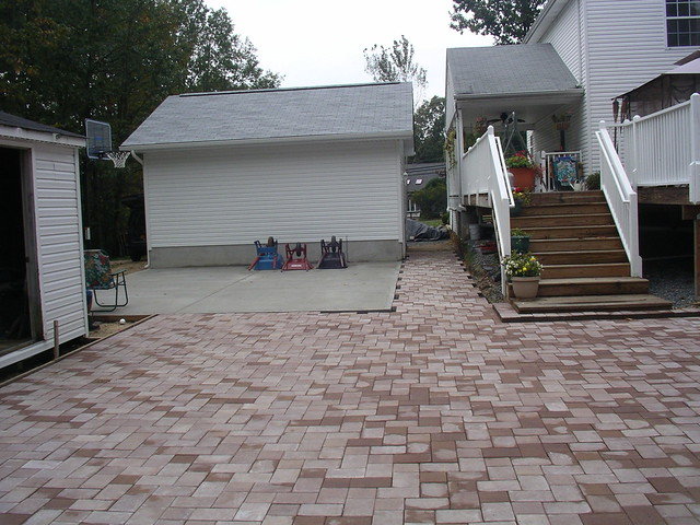 Job back of garage basketball court paver patio shed 5 for Basketball garage