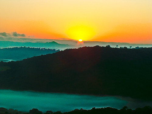 Nascer do sol na Fazenda do Lobo - Sunrise in the Wolf's Farm - Brazil