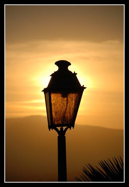 pouvez vous éclairer ma lanterne