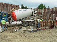 pipeline transport(0.0), pumping station(0.0), concrete mixer(1.0),
