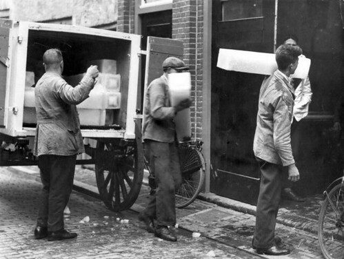 IJsdragers / Men delivering ice