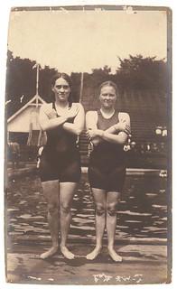 Australia's first women Olympians, Fanny Durack and Mina Wylie, 1912