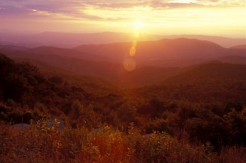 sunset mountains virginia skylinedrive fujivelvia shenandoahnationalpark scenicviews