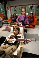 eli and emma, guitar heroes    MG 5350
