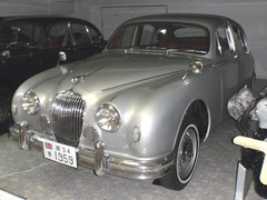 executive car(0.0), jaguar mark ix(0.0), mid-size car(0.0), jaguar xk150(0.0), sports car(0.0), automobile(1.0), daimler 250(1.0), jaguar mark 2(1.0), vehicle(1.0), jaguar mark 1(1.0), mitsuoka viewt(1.0), antique car(1.0), sedan(1.0), classic car(1.0), vintage car(1.0), land vehicle(1.0), luxury vehicle(1.0), jaguar s-type(1.0),