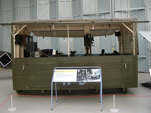IWM Duxford 0396 - WWI - British - RFC Mobile Workshop on 3 ton Leyland Lorry - 1915