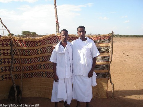 Traditional clothing of Somalia. Sarongs for men and virtuous ...