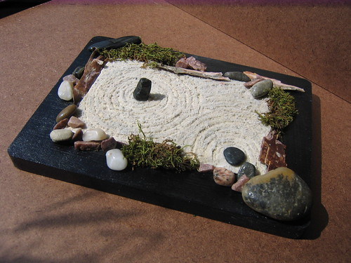 Post your mini zen gardens here for Mini zen garden designs
