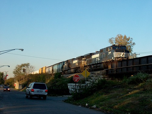 Southbound Norfolk Southern transfer train. Chicago Illinois. October 2006. by Eddie from Chicago