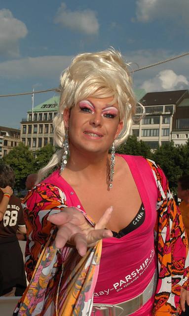 Gina Solera arbeitet für Gay Parship