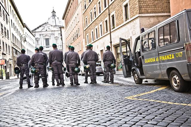 Play In Defense! (Piazza Navona - Roma - Italia)
