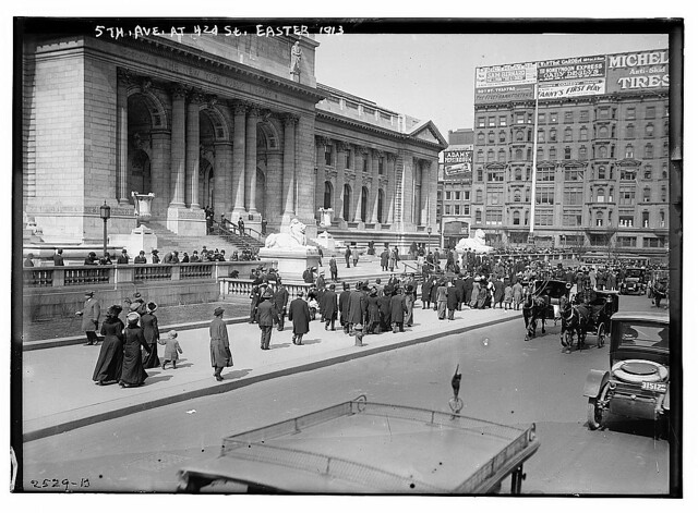 5th Ave at 42d [i.e., 42nd] St. - Easter, 1913 (LOC)