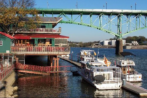 Calhoun's on the River in Knoxville