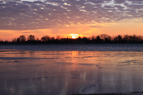 winter sunset ice water canon reflections 50d huroncounty 24105f4l ruralohio 40mphwinds setice