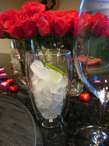 red roses, valentines table, crushed ice, bodum IMG_7552