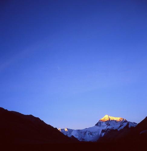 sunset tlr landscape tibet kodake100vs planar twinlensreflex rolleiflex35f