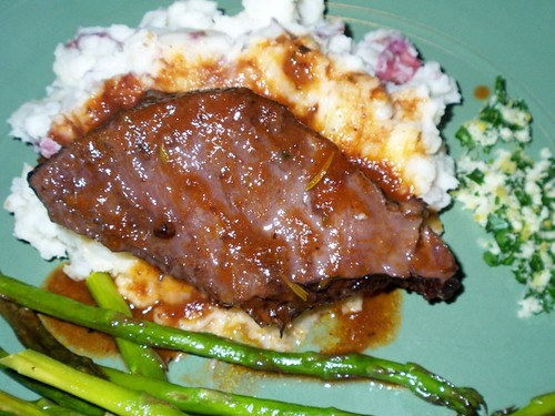 Braised beef short ribs, asparagus and mashed potatoes