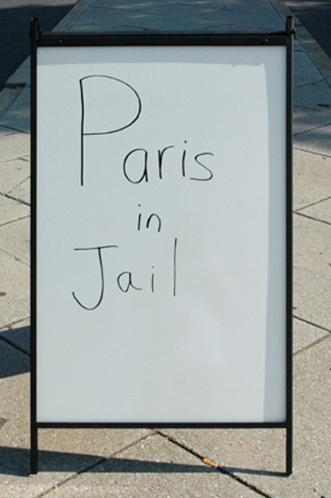 paris in jail