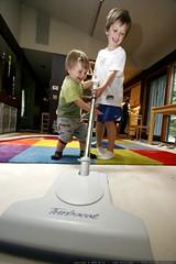 collaborative vacuuming    MG 1332