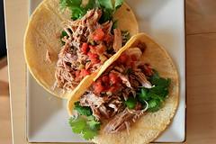 tostada, lunch, pulled pork, carnitas, taco, food, dish, cuisine,