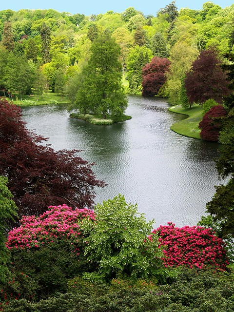 Stouhead House Lake