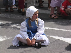Jolie petite Bretonne en Costume