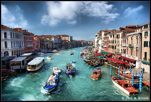 Venecia (Italia). Gran Canal desde el Puente de Rialto.