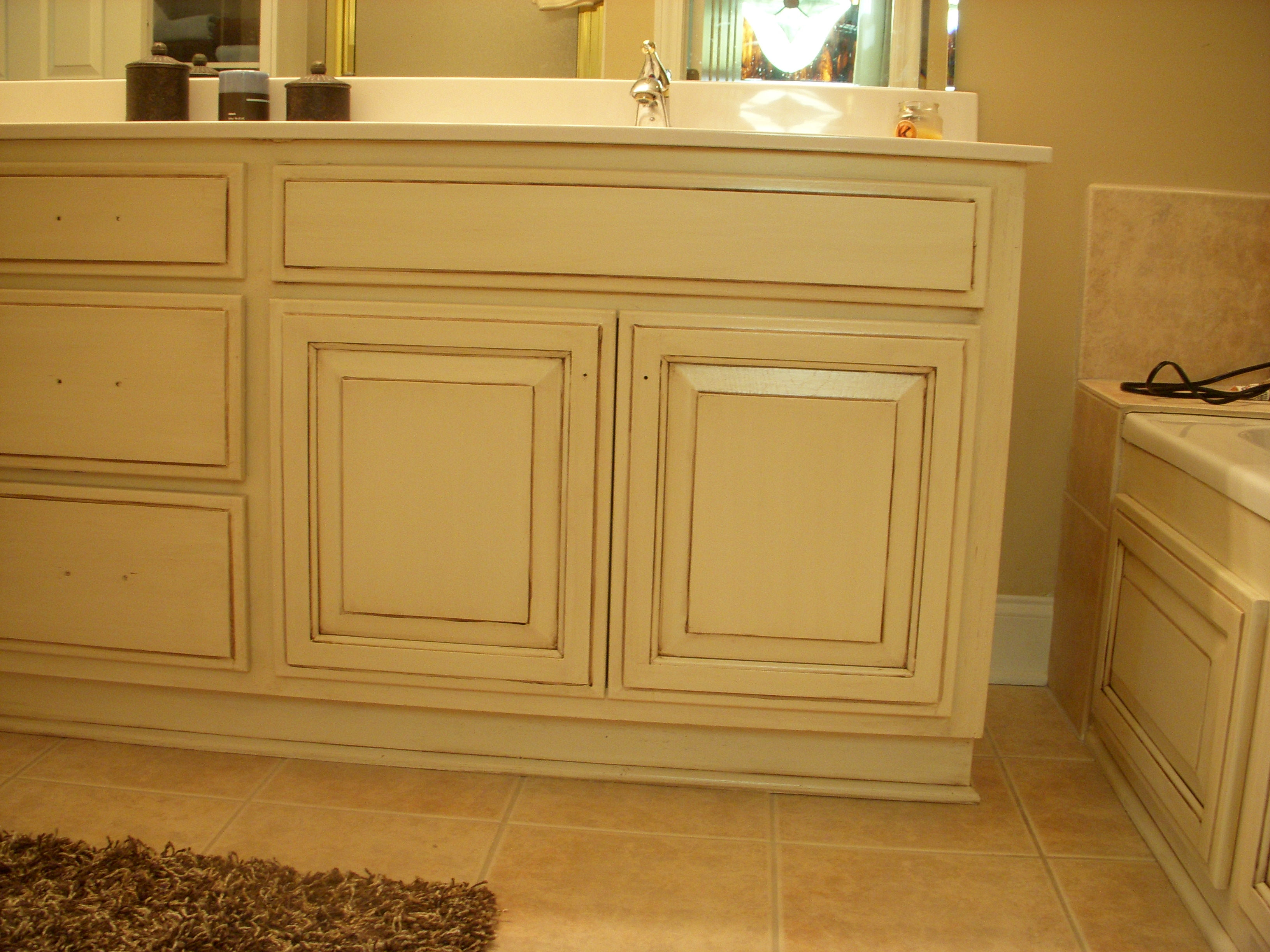 Cream Cabinets With Chocolate Glaze Painted Oak Cabinets