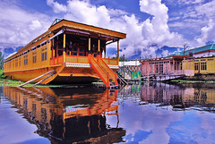 3 Nights Srinagar Houseboat Package - Standard