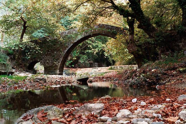 Vrosina stone bridge