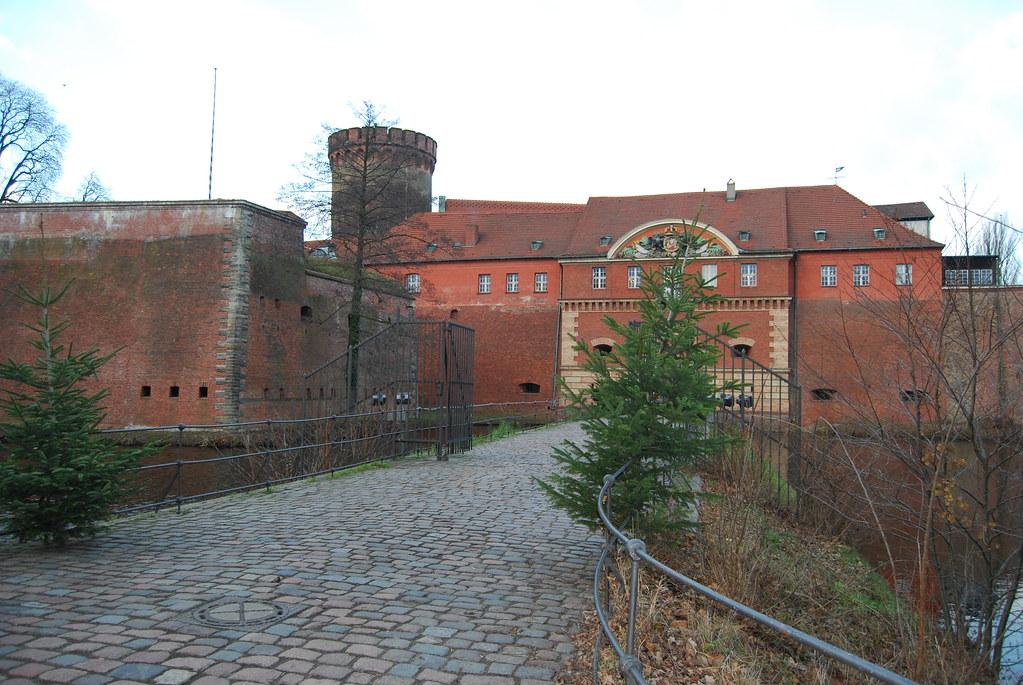 Papphocker Berlin spandau citadel berlin attractions