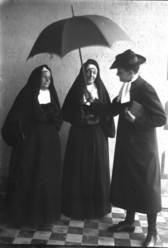 pretre et religieuses 1900