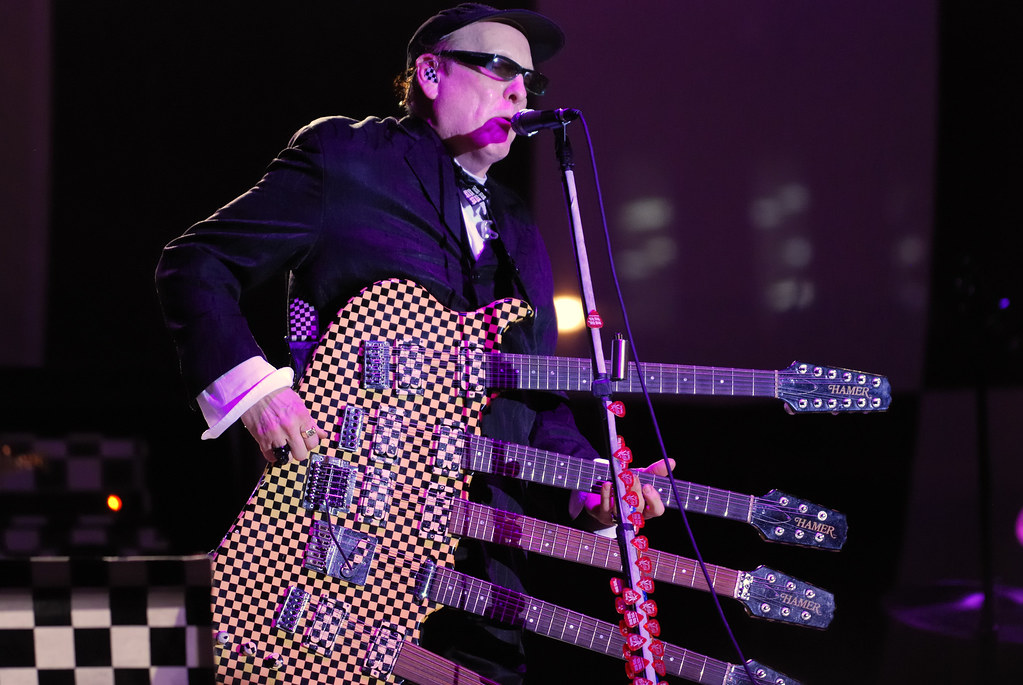 Cheap Trick 5 Neck Hamer Guitar Rick Nielsen With His Fa Flickr