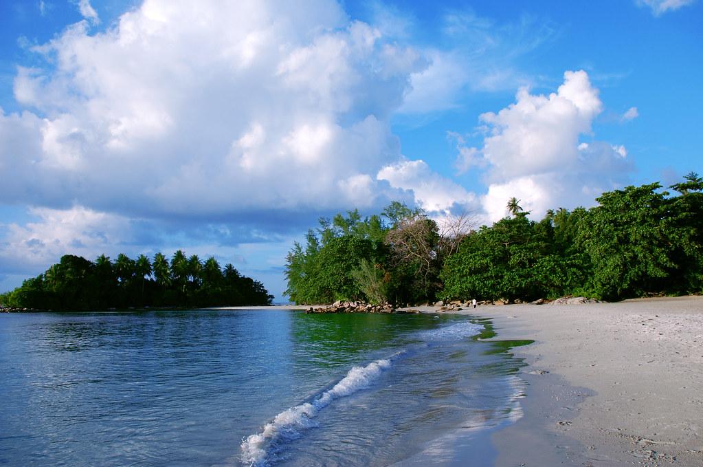 Бинтан остров фото