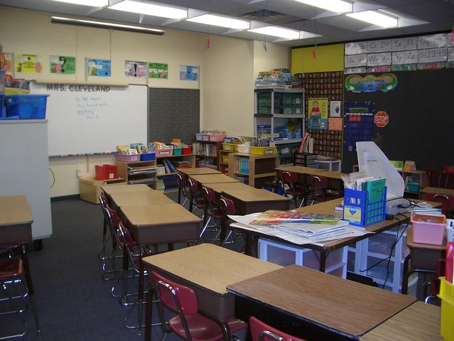 Z Arrangement Classroom Design Disadvantages ~ The new seating arrangement sonja has set her classroom