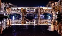 ponte vecchio in florence (italy), night hdr - firenze, italia
